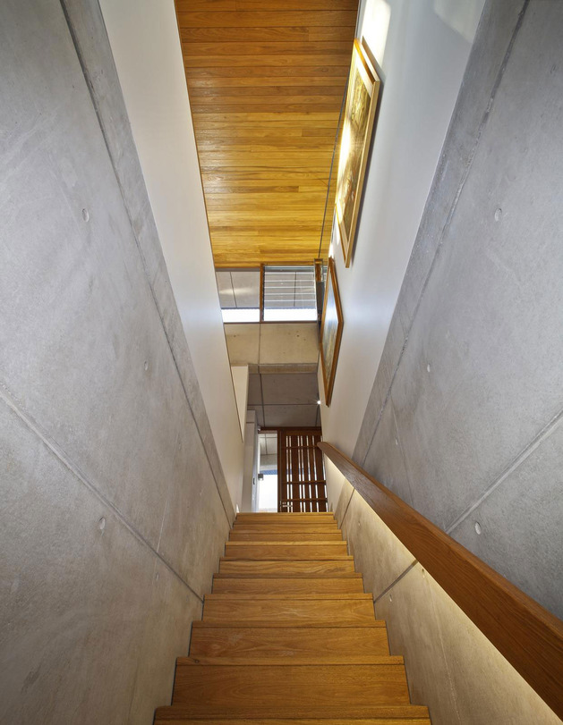 ceiling-wave-upstairs-boulder-wall-downstairs-11-stairs.jpg