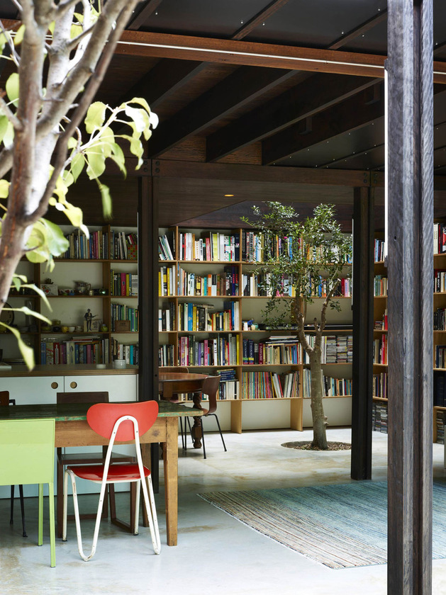 coloured-glass-walls-sparkle-from-cottage-addition-3-dining-library.jpg
