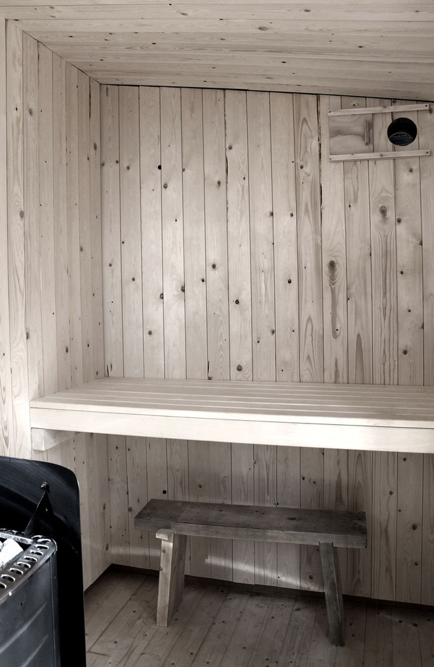 compact-plywood-pine-cabin-with-attached-sauna-16-sauna-desk.jpg