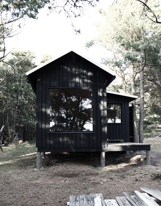 compact-plywood-pine-cabin-with-attached-sauna-4-cutout-corner.jpg