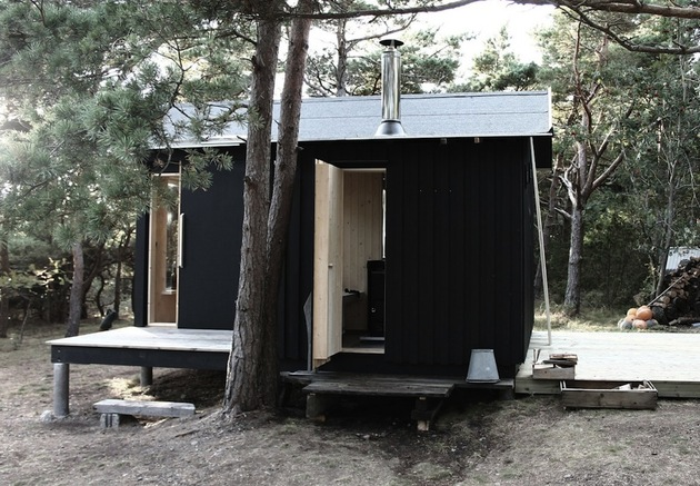 compact-plywood-pine-cabin-with-attached-sauna-5-sauna-door.jpg