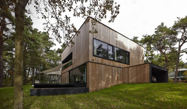 concrete and timber seaside house 2 thumb 630x370 26887 Concrete and Timber Seaside House