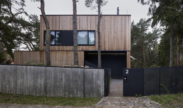 concrete-and-timber-seaside-house-6.jpg
