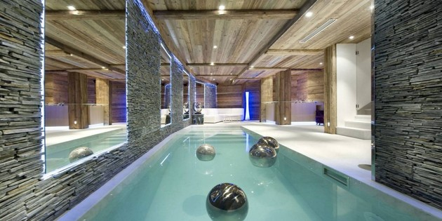 elegant-hi-tech-ski-chalet-in-courchevel-13.jpg