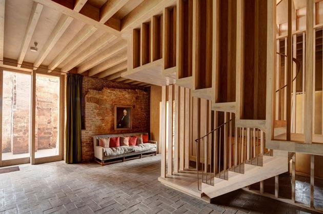english-castle-preserves-historic-architecture-and-incorporates-modern-design-6.jpg