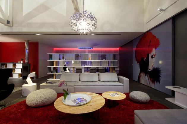 fashionable french loft with open interiors and colorful lighting 2 thumb 630x420 28685 Fashionable French Loft with Open Interiors and Colorful Lighting