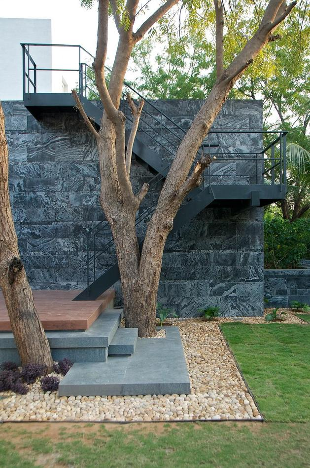 geometri-architecture-creates-artistic-minimalist-statement-11-outdoor-stairs.jpg