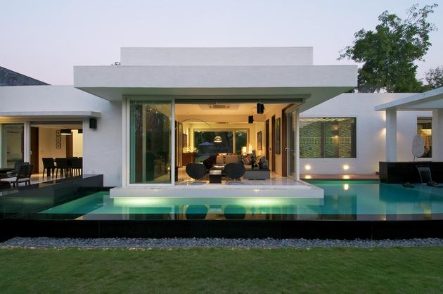 geometri-architecture-creates-artistic-minimalist-statement-7-pool.jpg