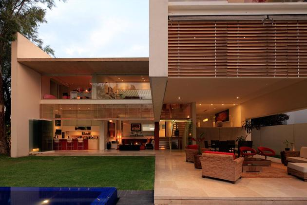 geometric-home-cantilevered-master-suite-overlooking-pool-11-rose-red.jpg