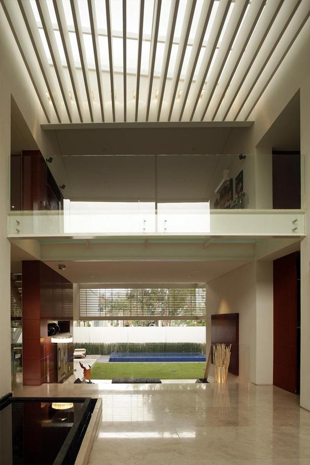geometric-home-cantilevered-master-suite-overlooking-pool-5-interior.jpg