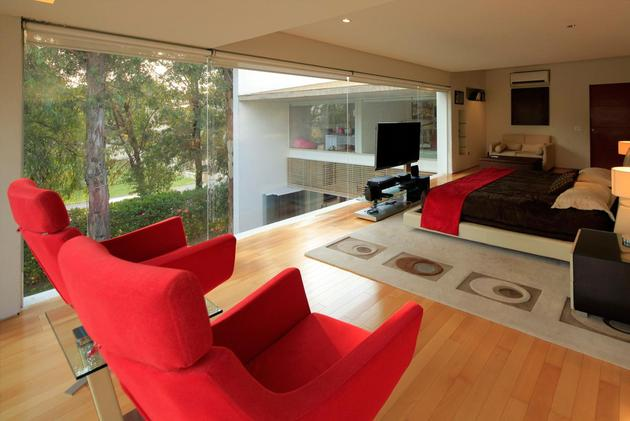 geometric-home-cantilevered-master-suite-overlooking-pool-9-master-suite.jpg