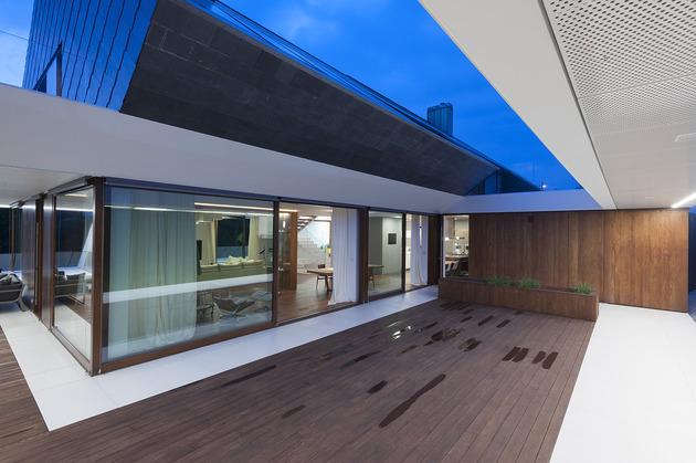 geometric-home-emerges-lime-cliff-4-terrace.jpg
