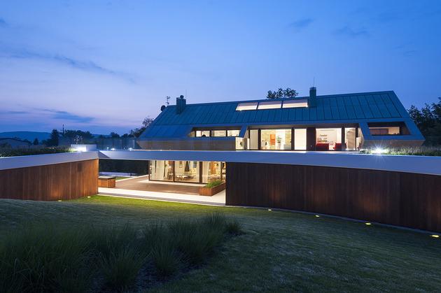geometric-home-emerges-lime-cliff-9-wood-wall.jpg