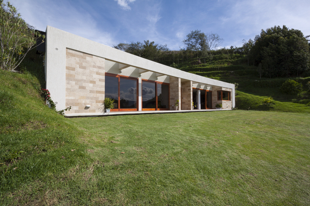house-built-into-a-hill-in-ecuador-5.jpg