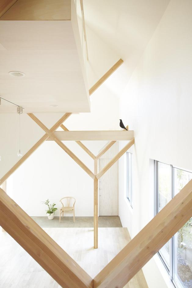 japanese-home-big-roof-8- large-y-supports-10-y-posts.jpg