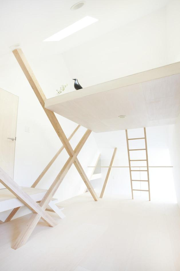 japanese-home-big-roof-8- large-y-supports-17-loft.jpg