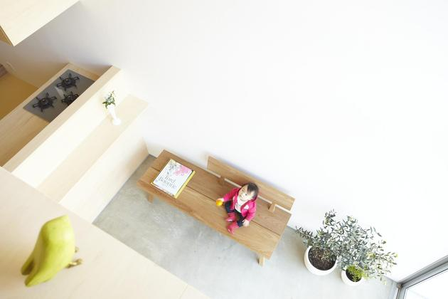 japanese-home-big-roof-8- large-y-supports-6-foyer.jpg
