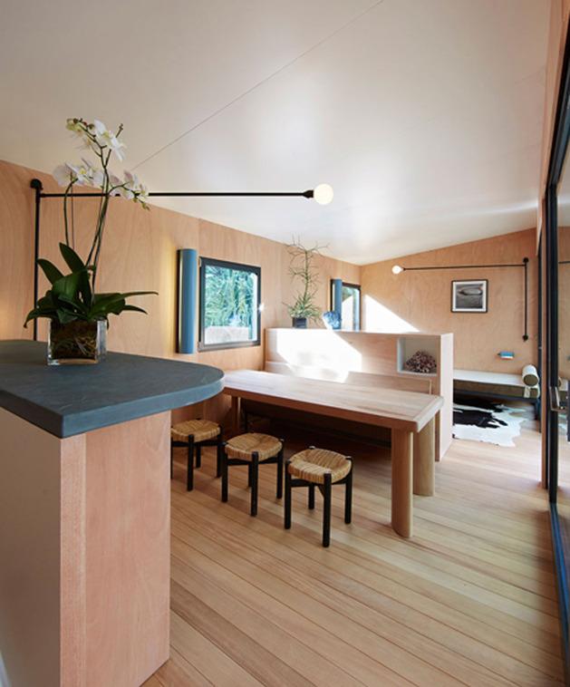 louis-vuitton-brings-modernist-beach-house-to-life-10.jpg
