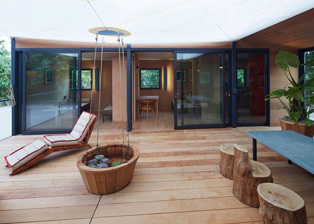louis-vuitton-brings-modernist-beach-house-to-life-6.jpg