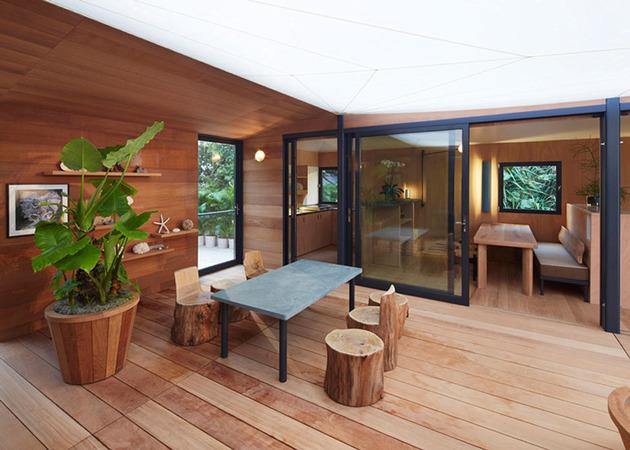 louis-vuitton-brings-modernist-beach-house-to-life-7.jpg