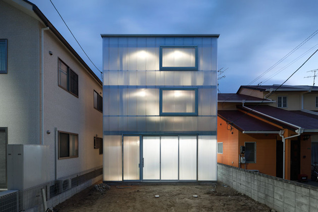 luminous-house-with-translucent-walls-and-minimalist-design-19.jpg