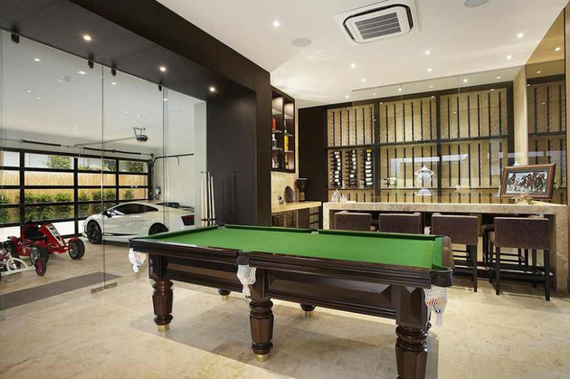 luxury-melbourne-home-with-pillared-entry-and-interior-courtyards-12.jpg