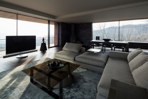 mountain-home-glass-walls-and-terrace-made-for-views-11.jpg