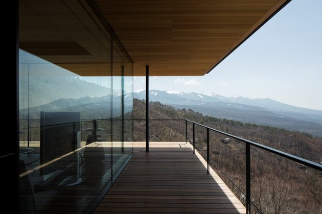 mountain-home-glass-walls-and-terrace-made-for-views-8.jpg