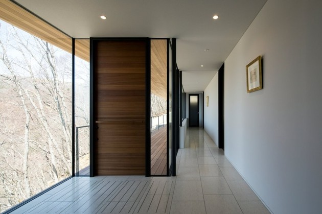 mountain-home-glass-walls-and-terrace-made-for-views-9.jpg