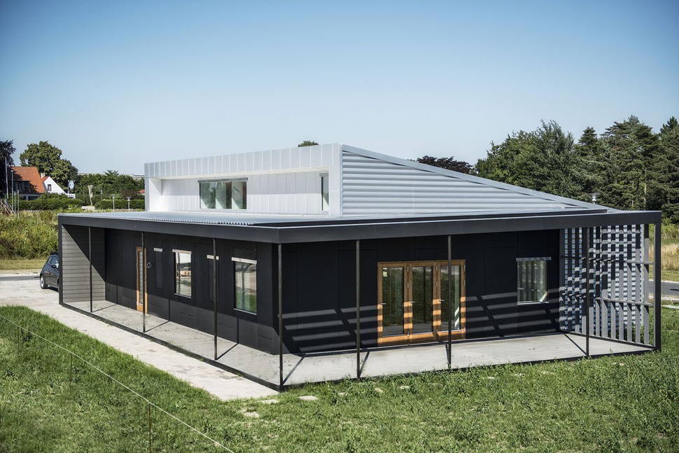 Upcycle house two prefabricated shipping containers for Prefabricated shipping container homes
