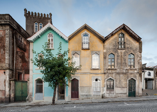 portuguese townhouse with 19th century brazilian architectural influence 2 thumb 630x450 27127 Portuguese Townhouse with 19th Century Brazilian Architectural Influence