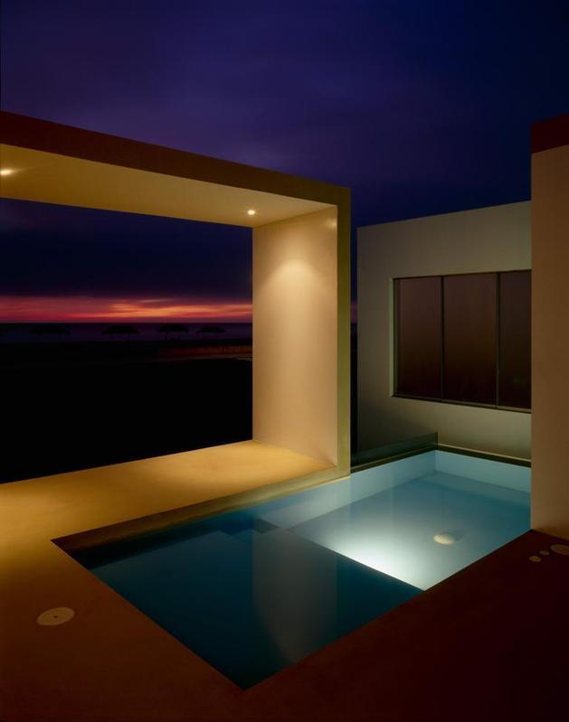 small-peru-beachside-house-opens-frontback-11-sunset.jpg