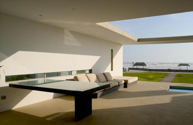 small-peru-beachside-house-opens-frontback-8-outdoor-zone.jpg