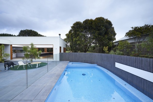 summer-house-expansion-creates-private-courtyard-15-courtyard.jpg