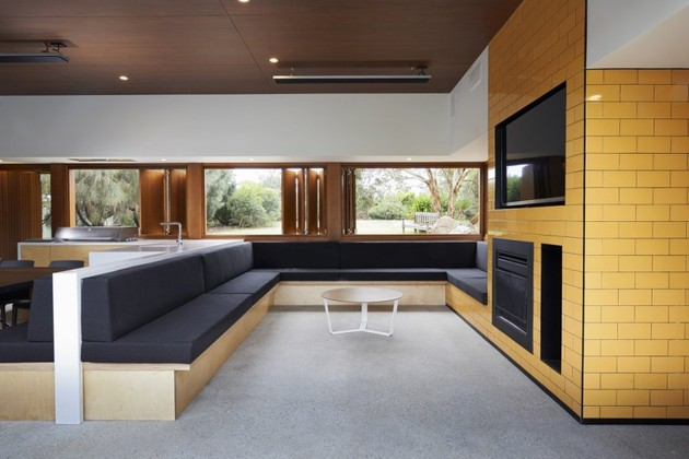 summer-house-expansion-creates-private-courtyard-3-social.jpg