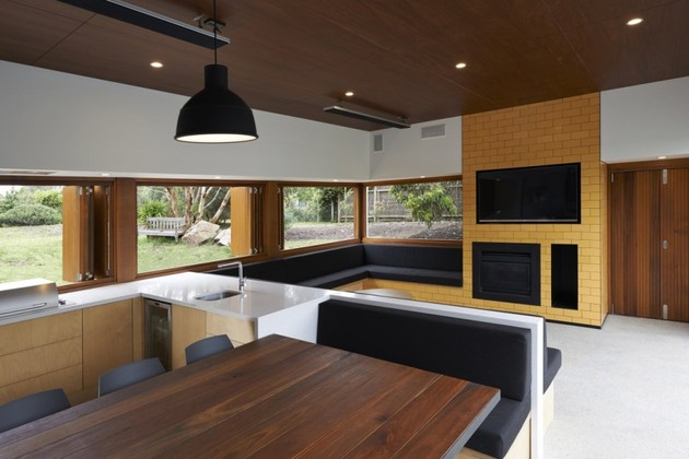 summer-house-expansion-creates-private-courtyard-7-dining.jpg