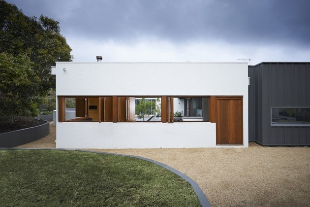 summer-house-expansion-creates-private-courtyard-8-exterior.jpg