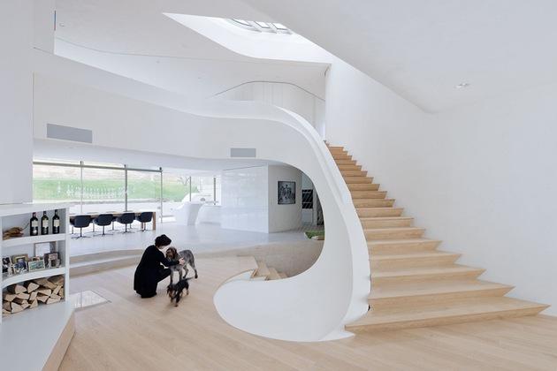 super-modern-suburban-house-3.jpg