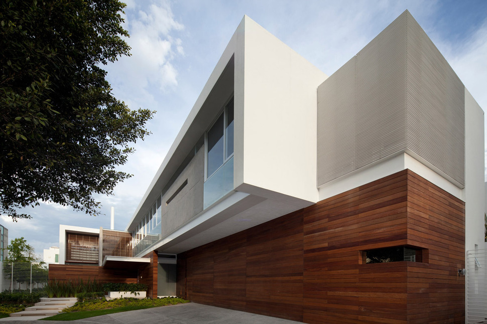 T Shaped Contemporary Mexican House