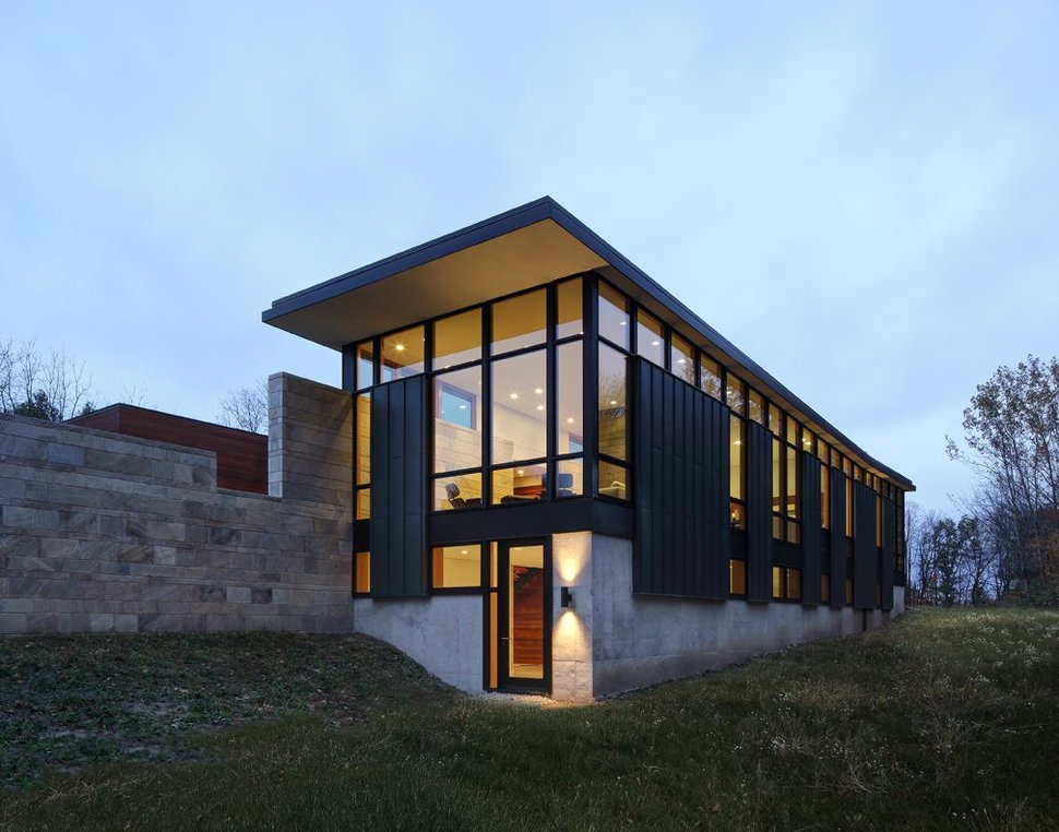 Two volume house on a fieldstone wall for Classic house volume 1