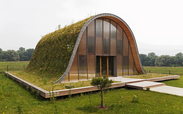 underground wave house with wildflower and herb exterior 1 thumb 630x392 27728 Underground Wave House with Wildflower and Herb Exterior