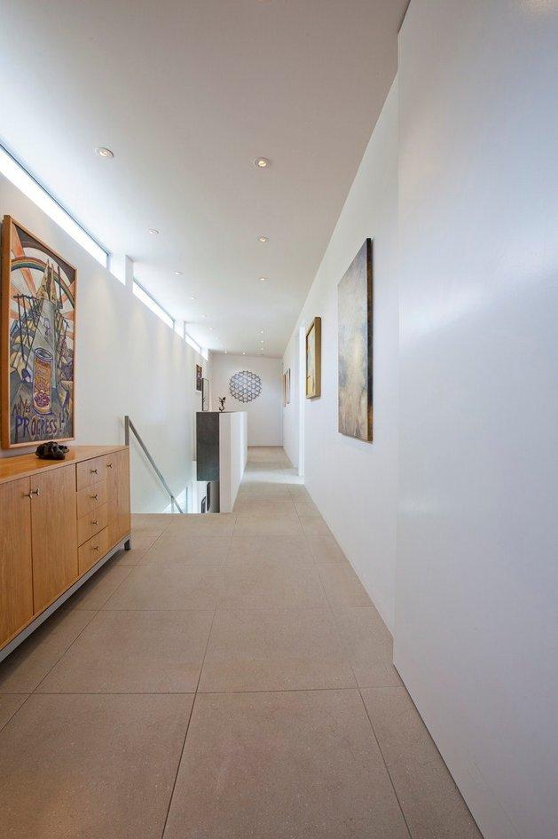2-level-home-pool-protrudes-cliff-5-Hallway.jpg