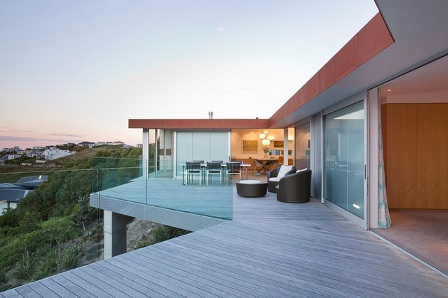 2-level-home-pool-protrudes-cliff-9-office.jpg