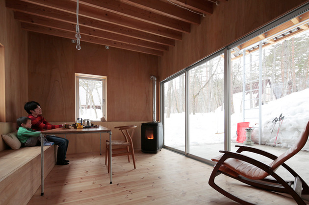 all-season-ski-house-with-transparent-roof-7-living-room.jpg