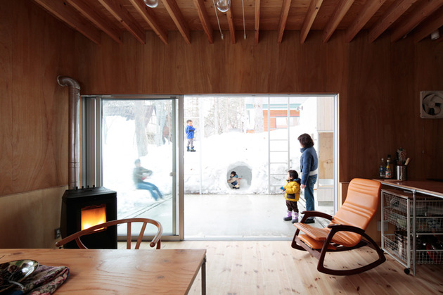 all-season-ski-house-with-transparent-roof-8-wintertime-view-out.jpg