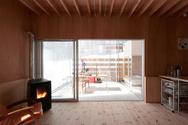 all-season-ski-house-with-transparent-roof-9-deck-use-winter.jpg