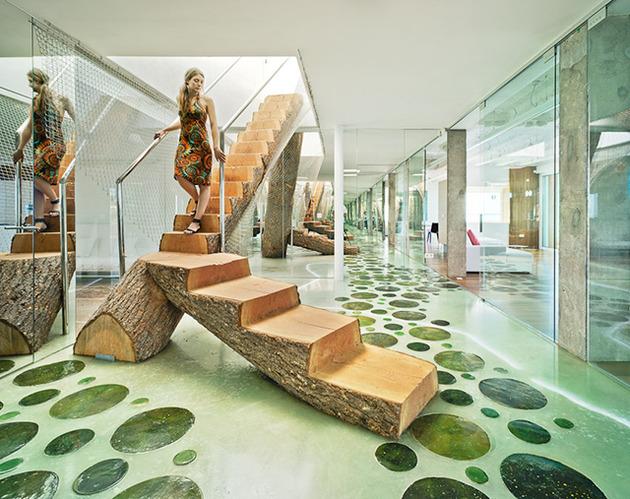 artistic-transformation-of-an-ordinary-seaside-house-3.jpg