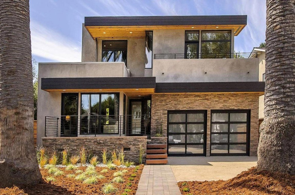 View in gallery balanced contemporary house featuring natural materials sophistical style 2 thumb 630x416 31083 house with outdoor kitchen