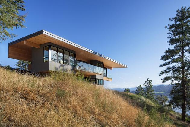 cantilevered-family-home-overlooks-lake-7-exterior.jpg