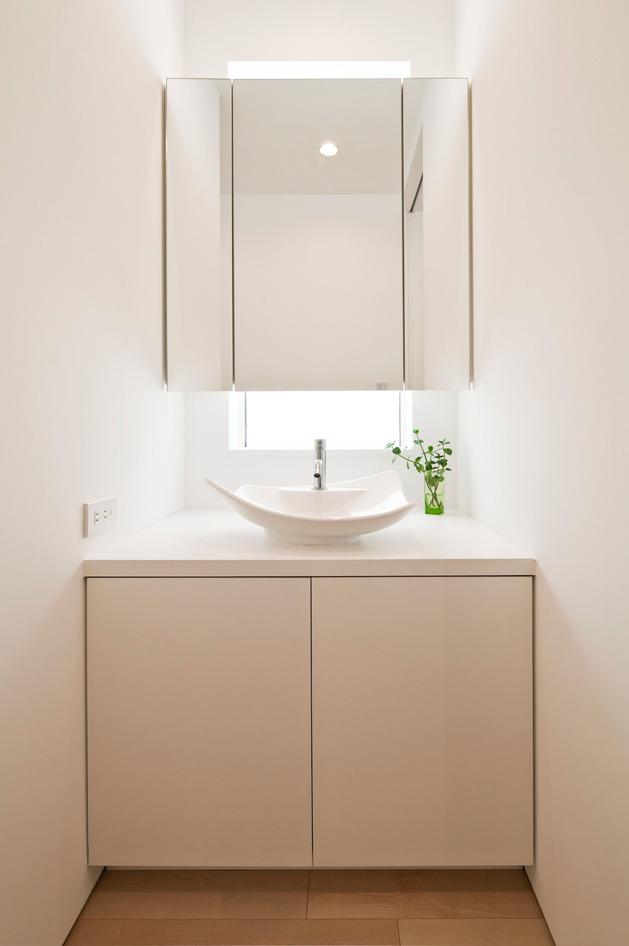 compact-zen-home-full-hidden-meanings-19-vanity.jpg